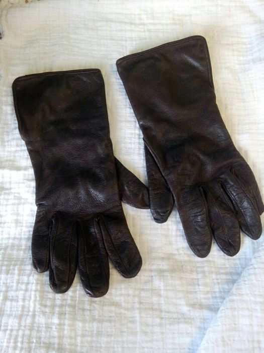 Brown Burberry gloves size 7