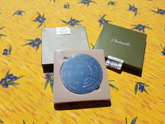 """OENOLODIE"" bottle coaster/circle of wine vintages, Christofle brand, new/mint condition, blister wrapped"