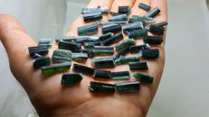 Green and indicolite blue tourmaline crystals lot. - L24-9mm,,,W 9-4mm. - 220 ct.