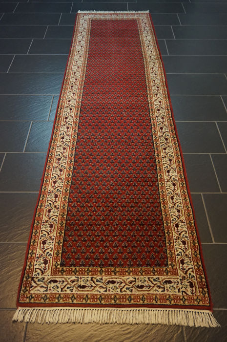 Magnificent hand-knotted oriental palace carpet, Sarouk Mir, runner,  300 x 80 cm, made in India, best highland wool