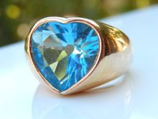 Heavy 18 kt yellow gold ring with heart shaped topaz of 11c5 - size 51