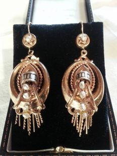Gold earrings from mid 19th century