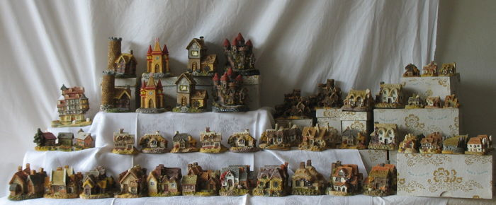 Collection of 70 handpainted miniature  houses -second half 20th century