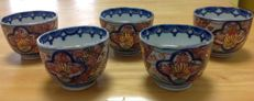 Lot of 5 finely painted Imari bowls - Japan - Early 20th century