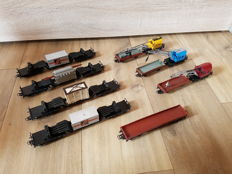 Märklin H0 - 3 x low-loaders with containers, 1 x low-loader with transformers, 3 cranes and 4 flat boxcars