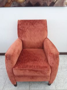 Baan – Designer armchair (lot 1)