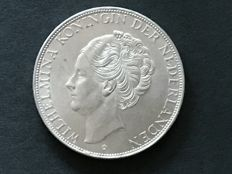 The Netherlands – 2½ guilder coin 1938, Wilhelmina with coarse hair – silver