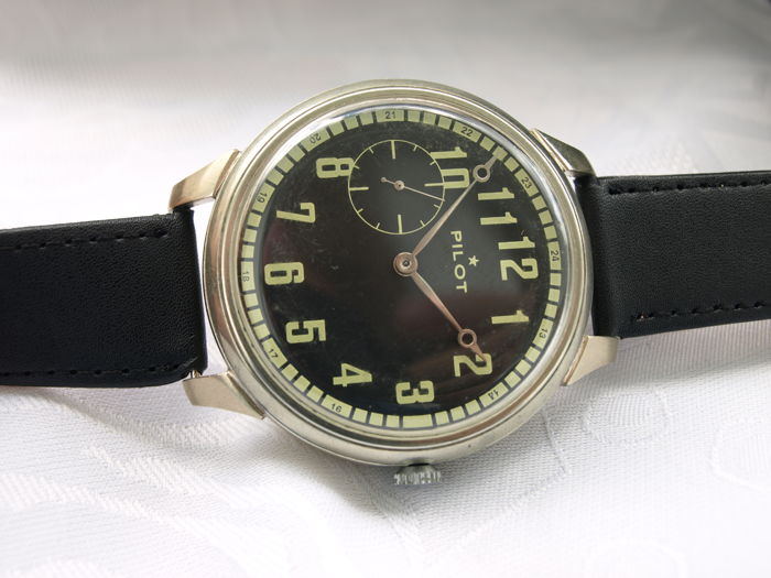 6 Molnija pilot military style wristwatch 1950-55