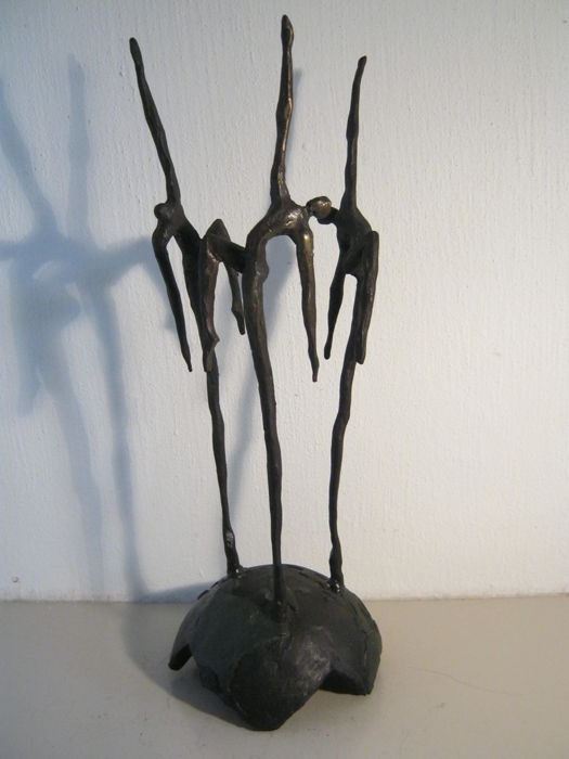 Corrie Ammerlaan van Niekerk - exclusive signed sculpture - made on commission - bronze - 29 cm high and weight of 1 kg.