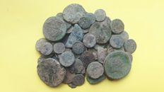Roman Empire -- Lot of 100 Roman AE coins, various emperors