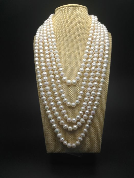 White freshwater cultured pearls extra long necklace 2,5m