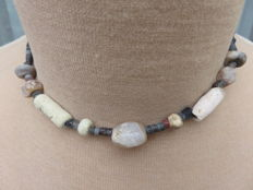 Archaeological beaded necklace with stone beads - Bronze age to Middle ages - 40 cm