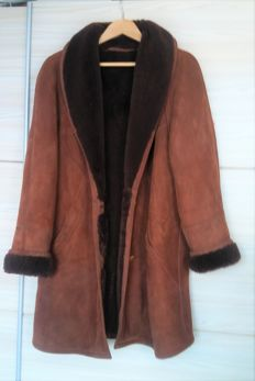 Borgo (Exclusive Italian Fur Company) - Lammy coat