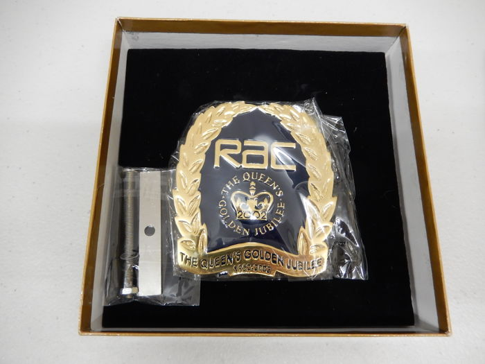RAC The Royal Automobile Club New In Box Car Auto Queens Golden Jubilee Badge Approx 9 cm x 8 cm