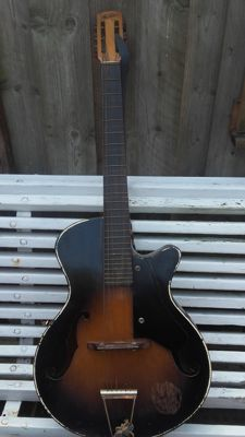 Classical guitar Troubadour vintage Dutch, 1940s/50s guitar