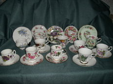 Twelve English cups and saucers