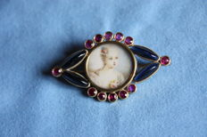 Amethyst and garnet brooch with miniature, 1800's