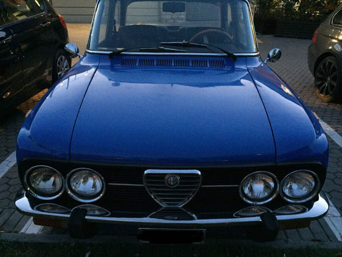 alfa romeo giulia nuova super ancienne voiture de police 1974 catawiki. Black Bedroom Furniture Sets. Home Design Ideas