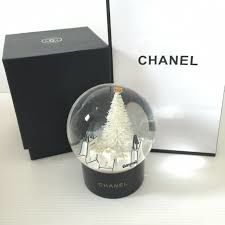 Chanel - Christmas snowball