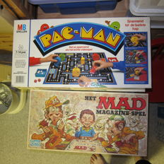 Pac-Man boardgame by MB, 1982 and mad boardgame