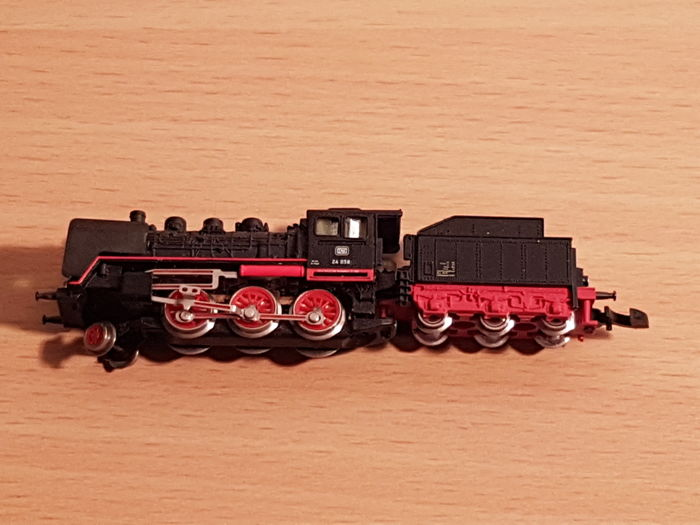 Märklin Z - 8803 - Steam locomotive BR 24 of the DB
