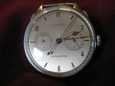Universal Genève — Chronometer with one push-button — 1930–'40