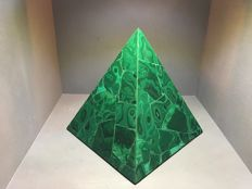 Large Malachite Pyramid from Congo -16 cm base - 996 gm