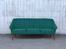Unknown design – A vintage couch, modernism