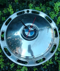 Clock made of a BMW hubcap