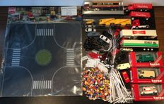 Herpa/Wiking/Busch/and others H0 - Scenery: 20 cars, trucks and trailers, 300 figures, 20 street lampposts, 50 park lampposts, Busch 1101 large roundabout, 20 lights with long wiring for e.g. houses, and fences