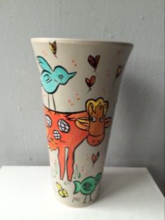 "Marianne Bey for Arti 4 – ceramic  vase ""Happy Cow"" (unica)"