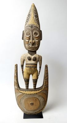 Large food hook figure - SAWOS - Papua New Guinea