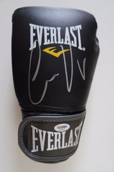 Official new and unworn signed by the legendary Conor McGregor UFC black Everlast Boxing Glove autographed  with  PSA/DNA COA
