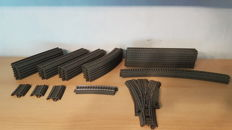 Märklin H0 - 37 piece package with C-rails and a 3-way points set