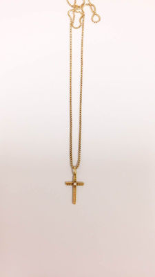 14 kt cross pendant + 10kt chain. NO RESERVED