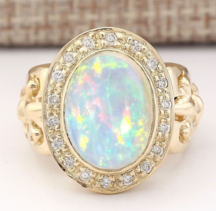 6.42 Carat Natural Opal And Diamond Ring In 14K Solid Yellow Gold *** Free Shipping *** No Reserve *** Free Resizing ***