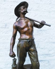 Auguste Moreau (1834-1917) - bronze patinated hefty Zamac sculpture - miner - France - late 19th century