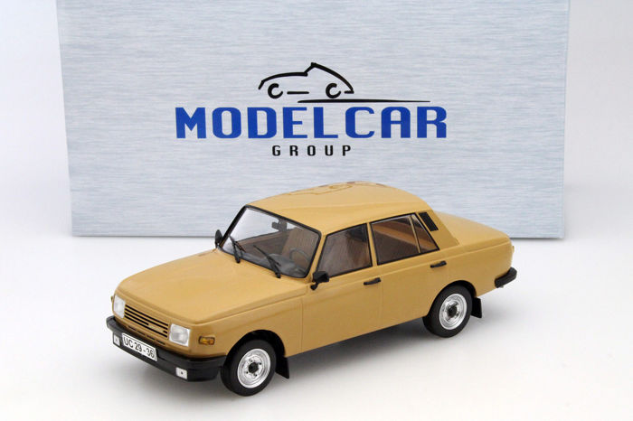 Modelcar Group - Scale 1/18 - Wartburg 353