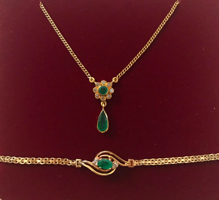 Jewellery set with emeralds and diamonds: Necklace with pendant necklace made of 800 / 21kt and bracelet made of 585 / 14kt gold