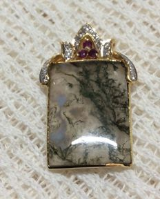 18k yellow gold set 3 Rubies and 0,18ct diamonds pendant Inlaid water plants chalcedony.