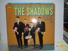 the Shadows  ''lot of 11 albums   incl 2 x box incl 3 lp's