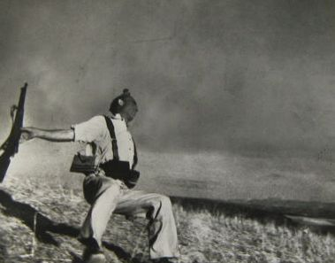 Robert Capa (1913-1954) - The falling soldier, 1936