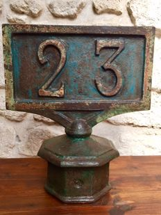 Old milepost SNCF (French rail company)