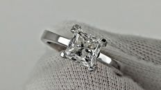 1.55 ct  E/VS2  princess diamond ring made of 18 kt white gold - size 6.5