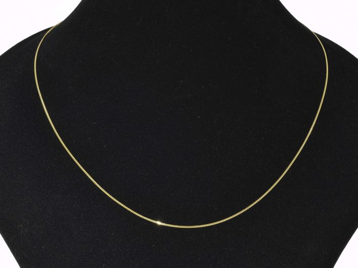 "18k Gold Necklace. Chain ""curb"" - 45 cm"