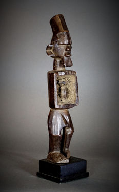 African Tribal Mbwoolo fetish figure - SUKU/ YAKA with magical Bilongo. - Democratic Republic of the Congo.