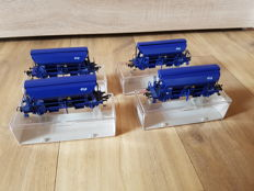 Fleischmann H0 - 5751 - Four self-unloading carriages Tdfs with swing roof of the NS