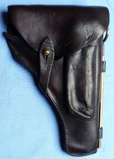 Original WW2 German Army P-38 Pistol Leather Holster with original cleaning rod