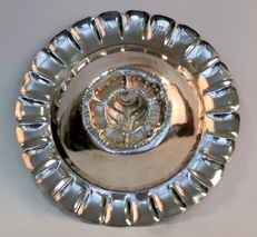 Mexican sterling silver floral engraved dish, Maciel, Circa.1950's