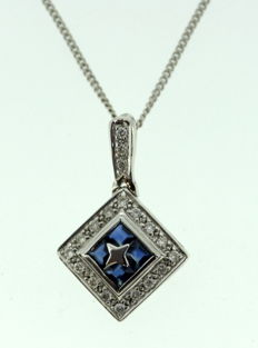 Vintage Italian 18K White gold ladies necklace with blue sapphire (0.40 ct total) and diamonds (0.19 ct total) Circa.1970's
